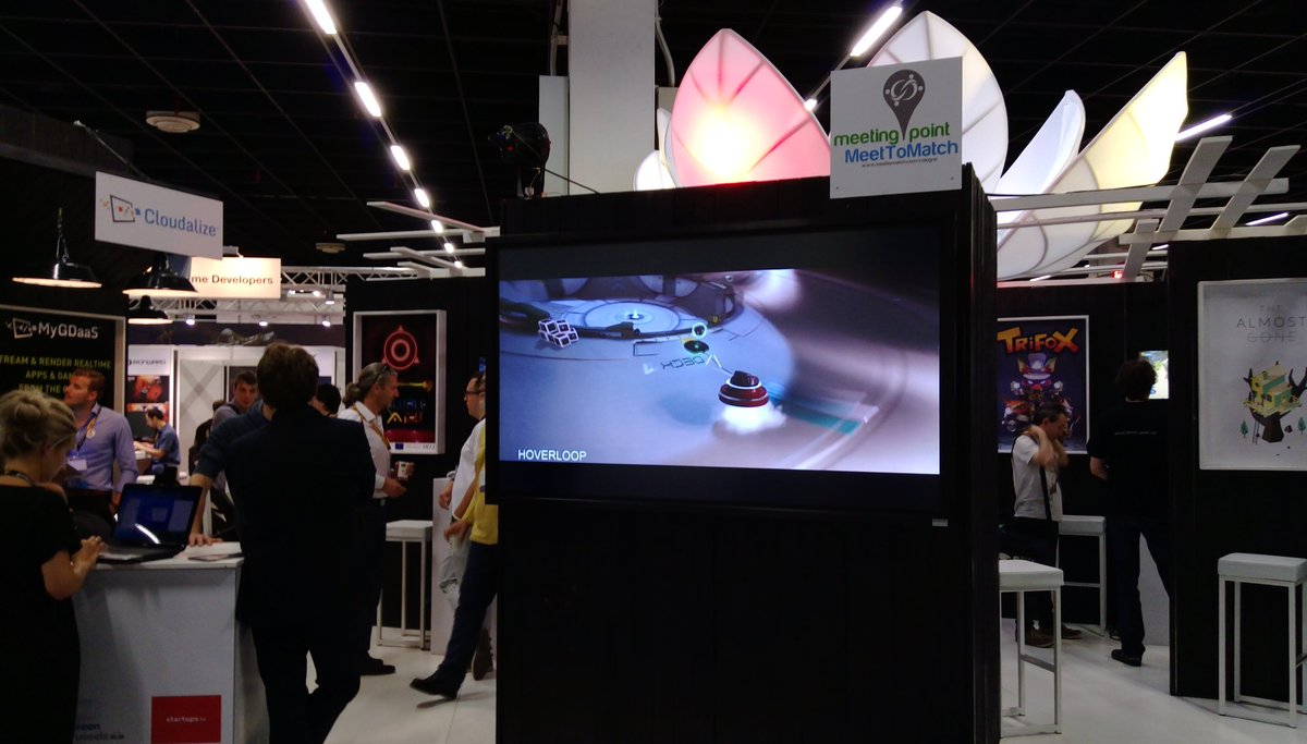 Screen as big as a human? Better put Hoverloop on it! #gamescom2017 #indiedev #conference #BelgianGamesIndustry<br>http://pic.twitter.com/lGXQKePjQP