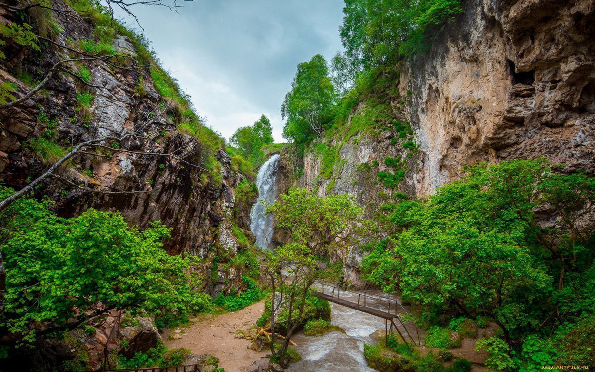 медовые водопады в кисловодске фото словам мэра, сути