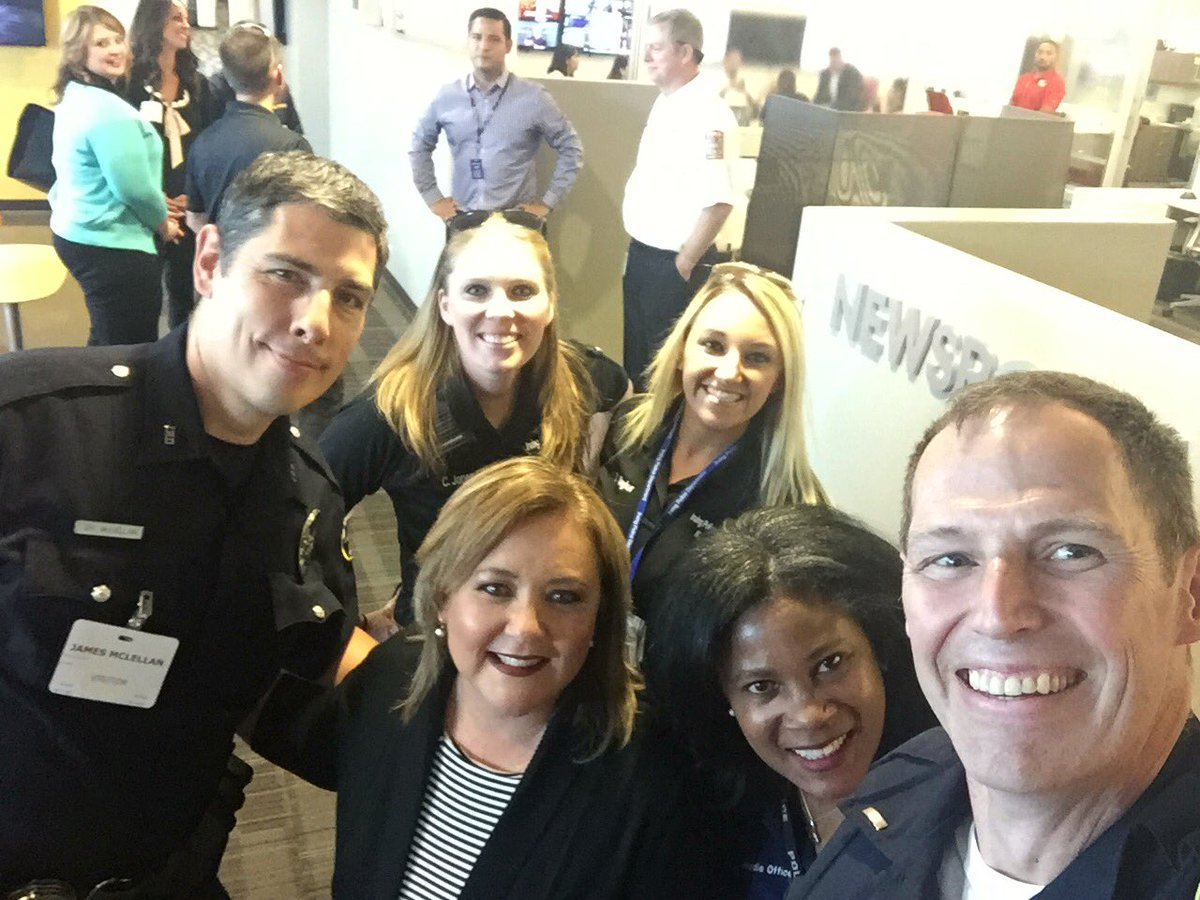North Texas PIO Group touring @NBCDFW studios. Our thanks for the tour and info. #media + #PIO are key to effective public communication<br>http://pic.twitter.com/FjVb56GliK