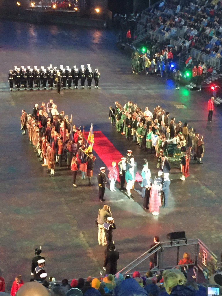 What a privilege to be able to attend the #edintattoo. Just about to start @The_Black_Rats #engagement <br>http://pic.twitter.com/w21sS5OEpN