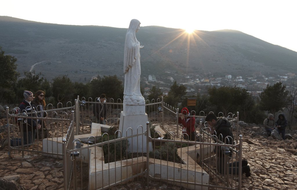 ICYMI: Polish archbishop thinks Vatican will recognize #Medjugorje apparitions https://t.co/z60AcGn1Za https://t.co/vuLCSIAoqi
