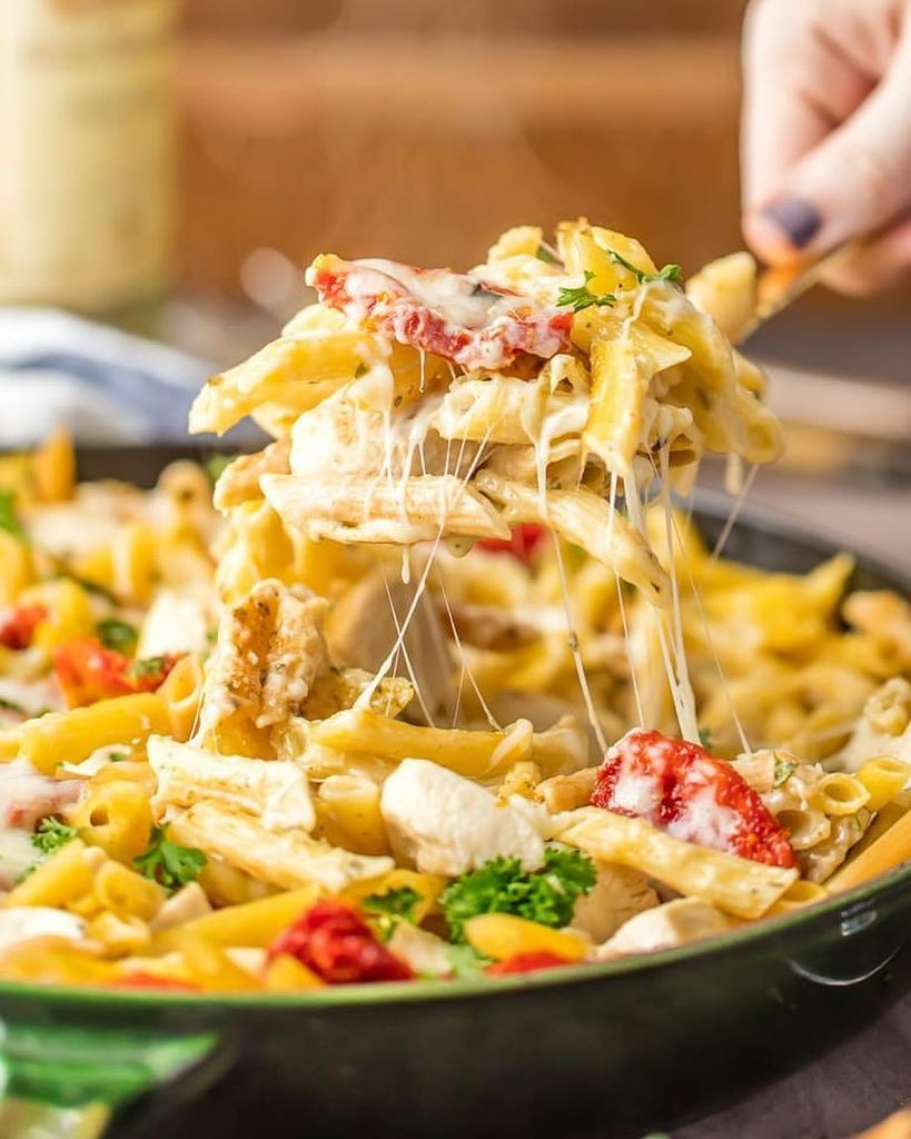 The Cookie Rookie On Twitter Prepare For BEST DINNER EVER Tonight ONE POT CHICKEN ALFREDO SKILLET Is Easiest Dinner Recipe Ever