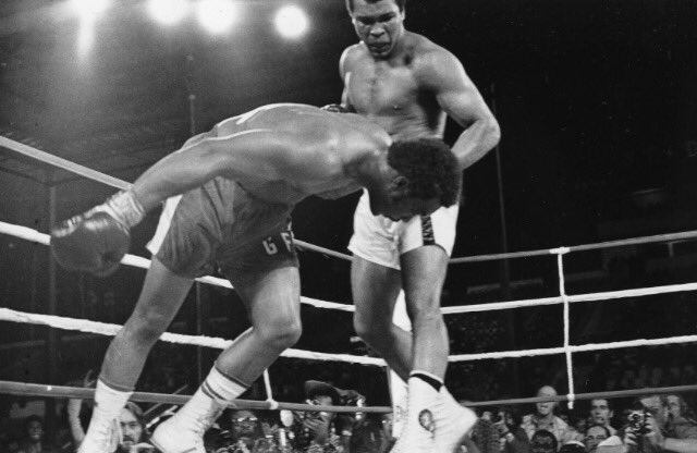 Thank you Muhammad Ali for knowing in advance that George Foreman deserved that whoopin! #theking https://t.co/32sCO5wUww