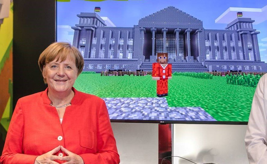 Microsoft On Twitter It Was An Honor To Demo Minecraft Education - Skins para minecraft pc demo