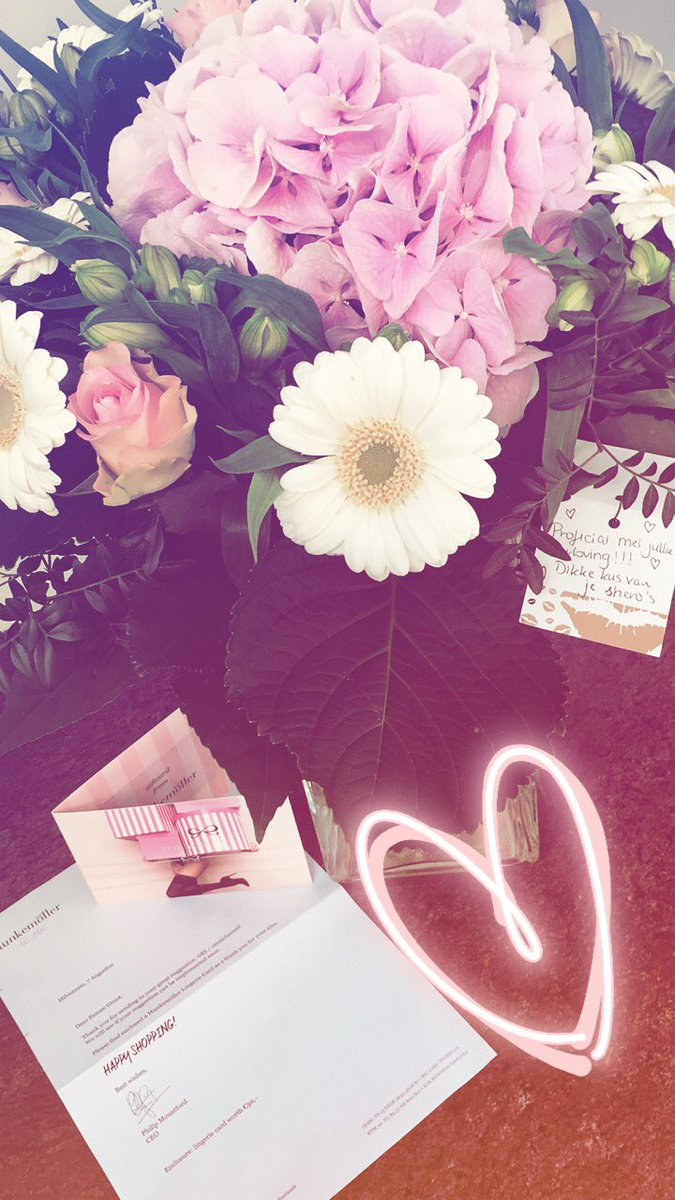 GOOD to be back after a GREAT #holiday  flowers for our #engagement thx shero&#39;s &amp; thx #hunkemöller for the #lingeriecard #memories <br>http://pic.twitter.com/HI0YLABOdZ