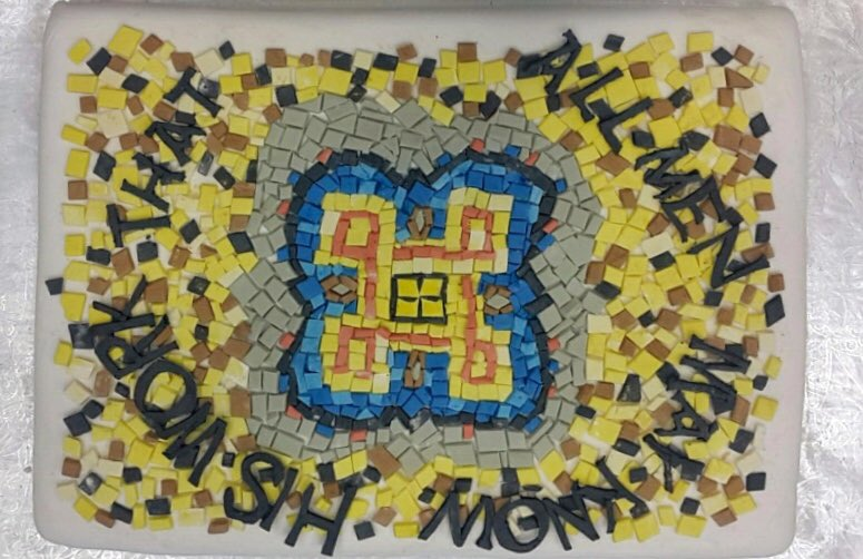.@romtoronto mosaic ceiling as cake.  Roxanna w/ another amazing creation for our #summerclub75 bake-off. <br>http://pic.twitter.com/9YciLVK4nT &ndash; at Royal Ontario Museum