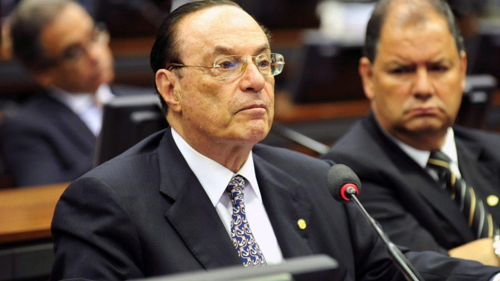 STF nega recurso de Maluf para ampliar prazo de ação penal - https://t.co/5PKntZn7Lm #Política #Brasil #Notícias