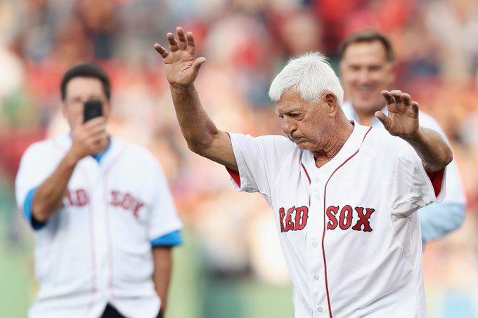 Red Sox: Happy Birthday to Hall of Famer Carl Yastrzemski  via