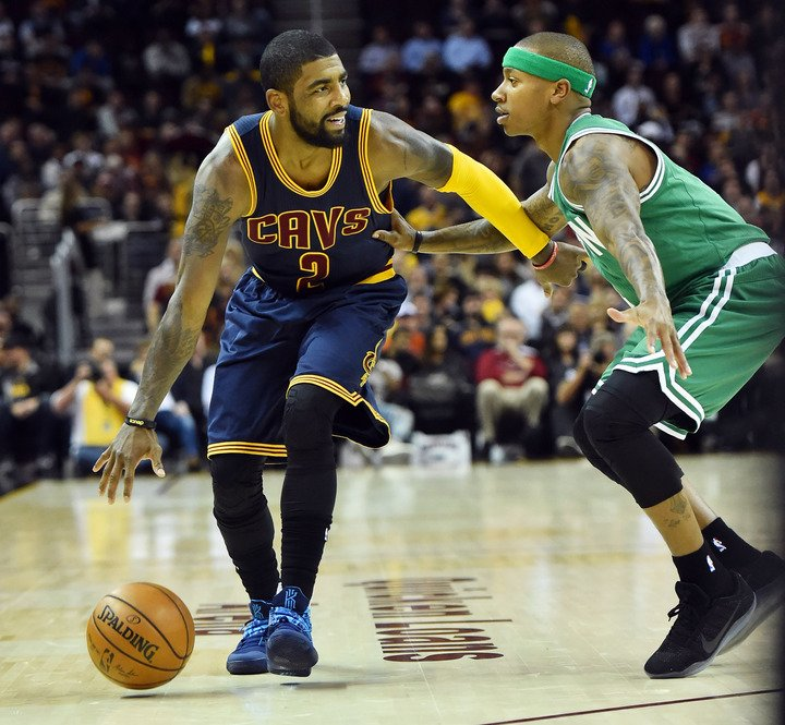 Breaking: Cavs have agreed on deal to send Kyrie Irving to the Celtics for Isaiah Thomas and others, per @ShamsCharania