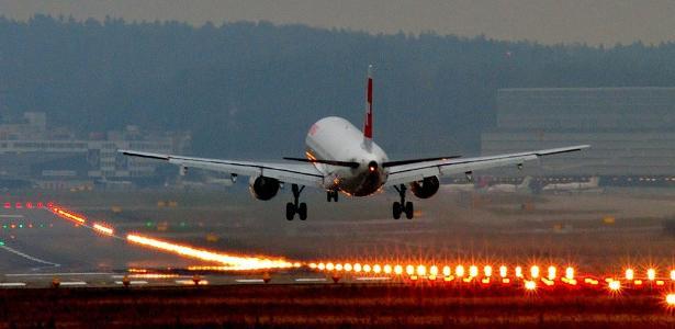 Sem medo de voar: De raio a desmaio, pilotos tiram 6 dúvidas de passageiros https://t.co/ZPxic7Dyzc