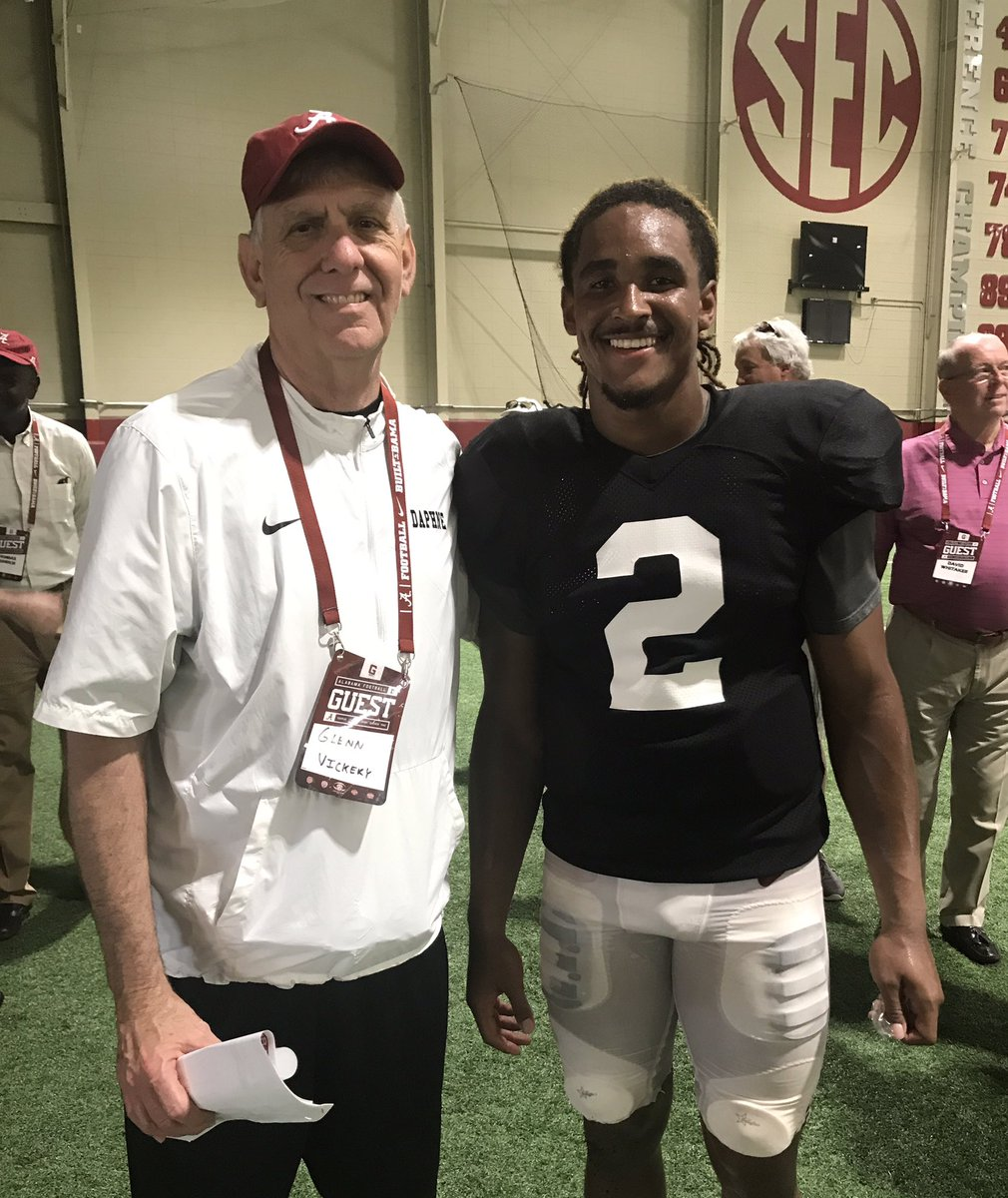 Ran in to 2 pretty good QB&#39;s today in Tuscaloosa @JalenHurts &amp; Walter Lewis #leaders #quality #past&amp;present<br>http://pic.twitter.com/MVsvX8rOAl