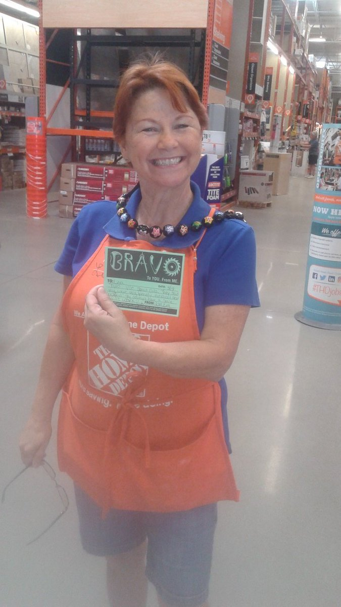 YES ma&#39;am, a customer bragged on your superior customer service!! BRAVO! #FIRST #swbest #badgerup #leaders #proud<br>http://pic.twitter.com/gUfqnVnaxt