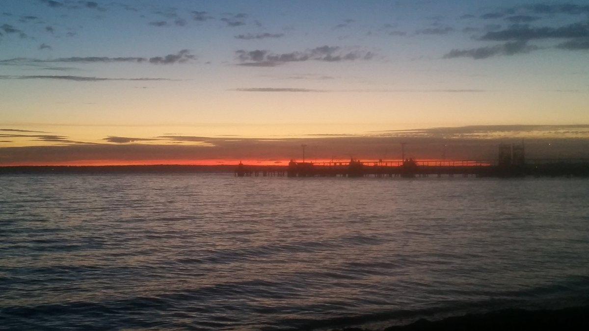 Summer sunsets, Bellingham WA. #SavorSummer <br>http://pic.twitter.com/B0CJgqKWxI