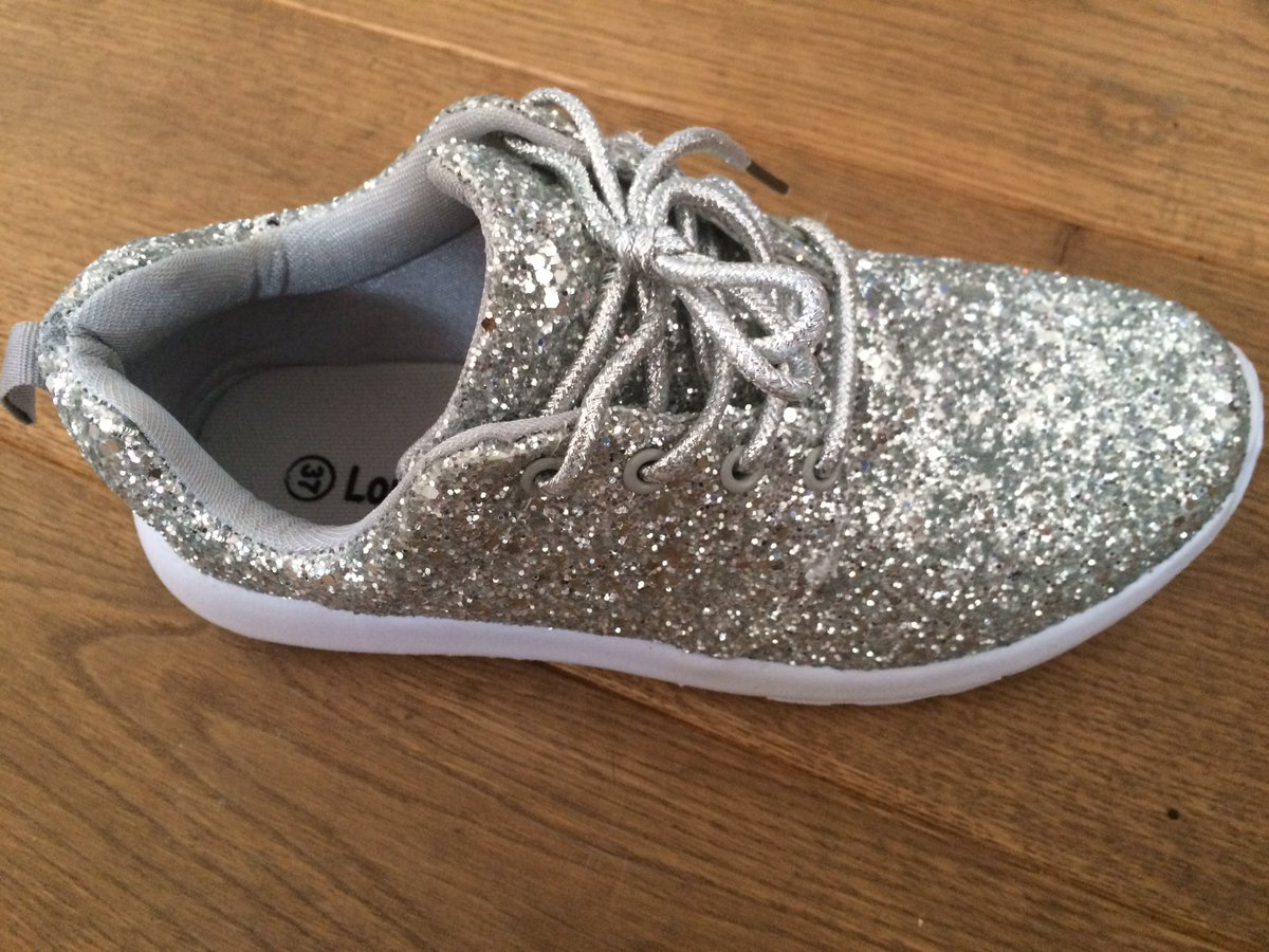 Daughter thinks I&#39;ve gone officially mad #glitter #trainers <br>http://pic.twitter.com/c8Wki9honA