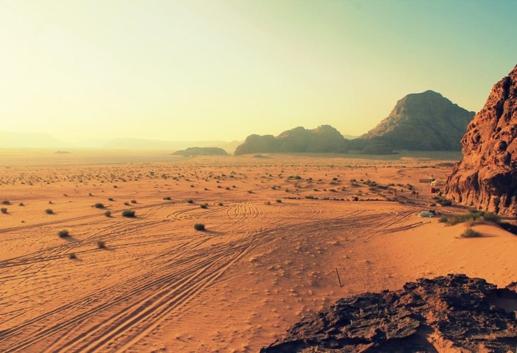 What makes the desert beautiful is that somewhere it hides a well. #CouponPilots #Like4Like #Inspirational #Motiva…  http:// ift.tt/2vWUVj6  &nbsp;  <br>http://pic.twitter.com/2imMMbbqlZ