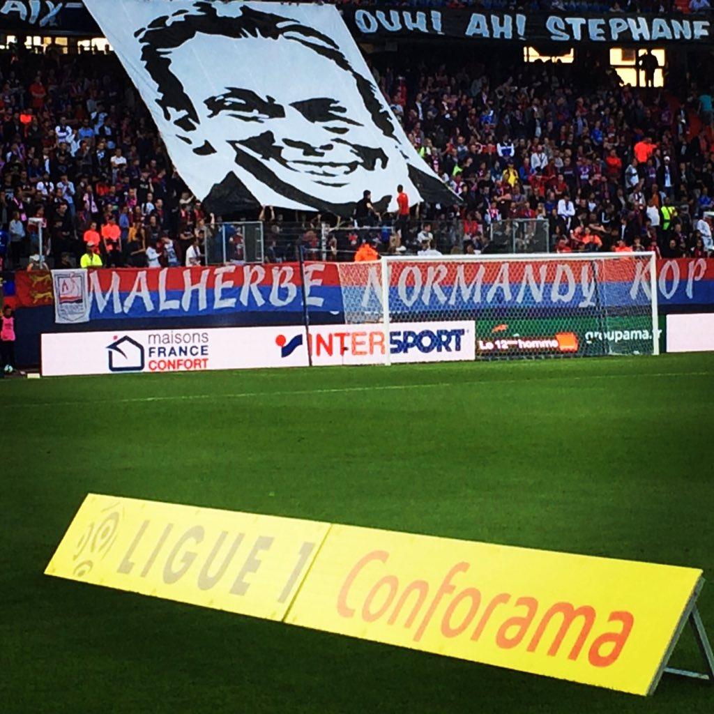 #photodujour : l'hommage du #MNK et de tout le stade #D'Ornano à Stéphane #Paille lors de #SMCASSE @SMCaenpic.twitter.com/q7dO35tRzQ