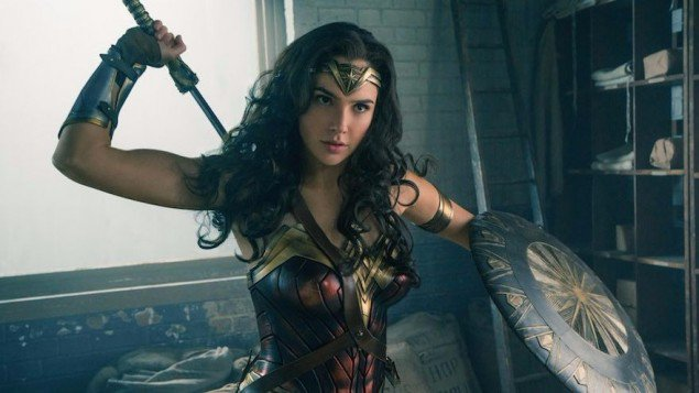 #WonderWoman soars past Spider-Man to biggest superhero origin movie ever #Israel #Pride.  https:// goo.gl/9y7DTN  &nbsp;  <br>http://pic.twitter.com/jsW1A24wsP
