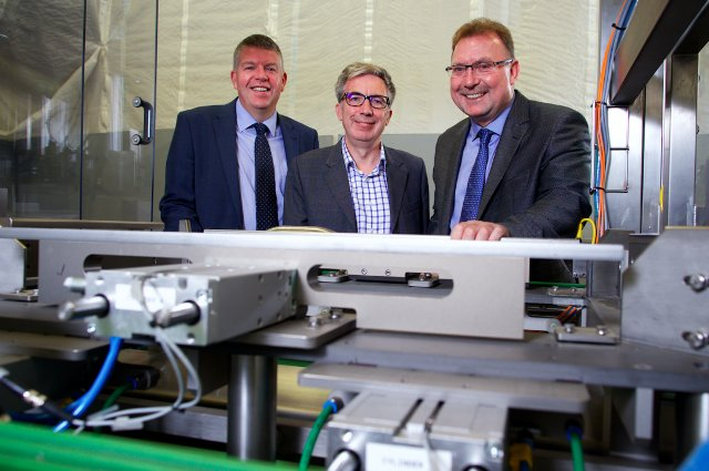 Grimsby manufacturers secure £250k from Northern Powerhouse fund: Grimsby's Allied Protek…  http:// dlvr.it/Ph0QcF  &nbsp;   #Featured #Manufacturing<br>http://pic.twitter.com/qBVue9Bnvr