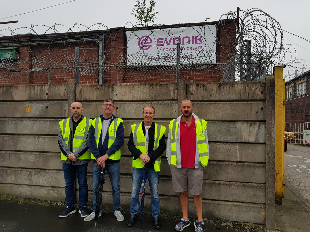 #Solidarity to @Evonik #Manchester @unitetheunion strikers. Out today, 25, 27, 29 Aug. Pickets 6am-6pm m11 4sr near Clayton Hall Metrolink<br>http://pic.twitter.com/FCDMbzhhja