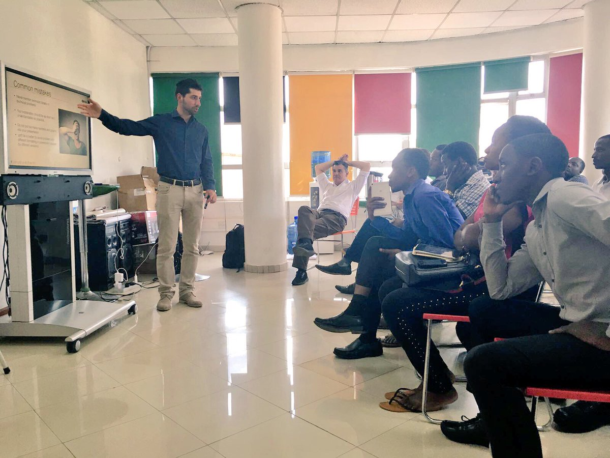 #Techmeeting @OutboxHub in #Kampala  After how to #pitch #workshop, 1-to-1 #mentoring session time with the #teams! #StartupUgandaRoadtrip<br>http://pic.twitter.com/LDkdue3cC9