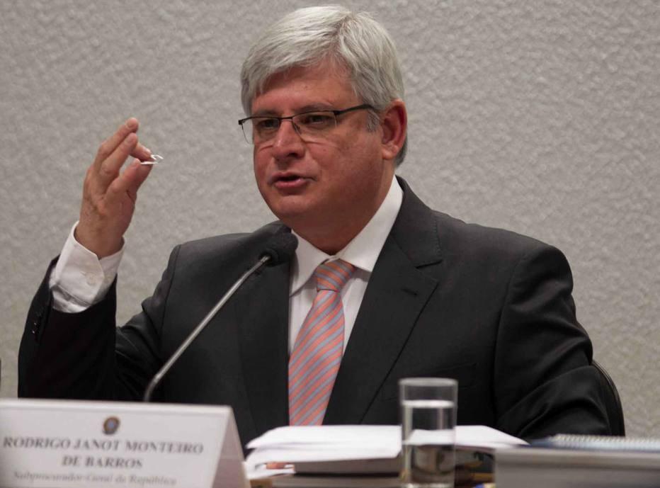 'Sem independência, MP da Venezuela não tem condições de defender direitos fundamentais', diz Janot - https://t.co/BNwCBVWfEt