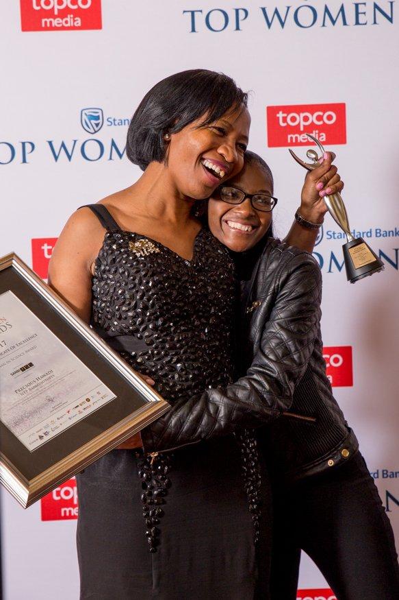 Studies show: winning #awards helps companies outperform against peers. More in our CEO&#39;s speech @SBTopWomen Awards:  http:// tinyurl.com/ybqszbpo  &nbsp;  <br>http://pic.twitter.com/PQ8VOjhKj0