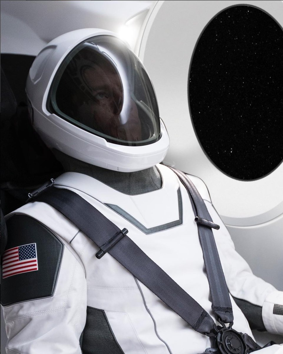 Elon Musk shares first photo of SpaceX's new spacesuit https://t.co/f1dGZVatOT by @etherington