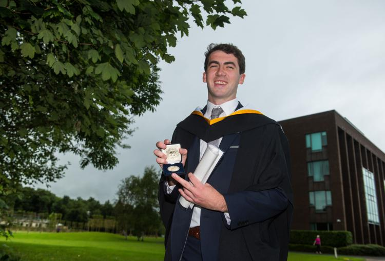 Congrats to Law &amp; Accounting Grad. Niall Rea - who was awarded a coop education medal following his work w.  @GECASNews Shannon #StudyAtUL <br>http://pic.twitter.com/i3fU3dHaQI