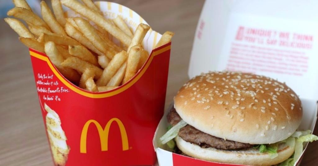 McDonald's unveils their brand new burger boxes - and they're INCREDIBLE https://t.co/4jDCo1MIML