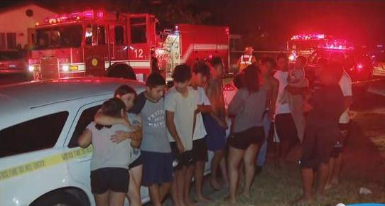 Family, including 11 children, escape burning Oak Park home https://t.co/AWlrd7FOth https://t.co/rwLRJVVKeY