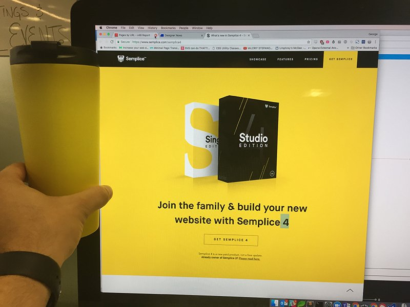 When your coffee cup matches the website you&#39;re looking at #webdesign #design #coffee<br>http://pic.twitter.com/CJqJzt6wmX
