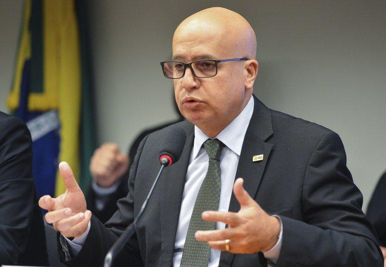 Ex-ministro participa de comissão que trata do BC e CVM https://t.co/lsZZoQg8vF