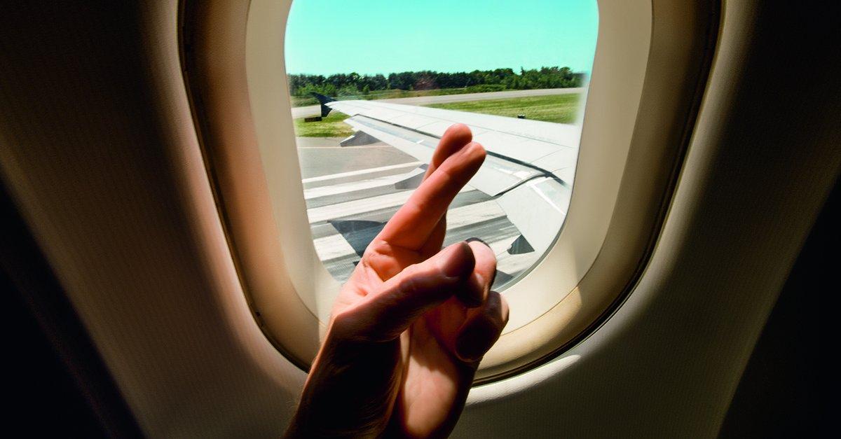 Quer uma inspiração para perder o medo de voar de avião? Confira o depoimento de quem conseguiu! https://t.co/x6GSby68bS 😰 ✈️