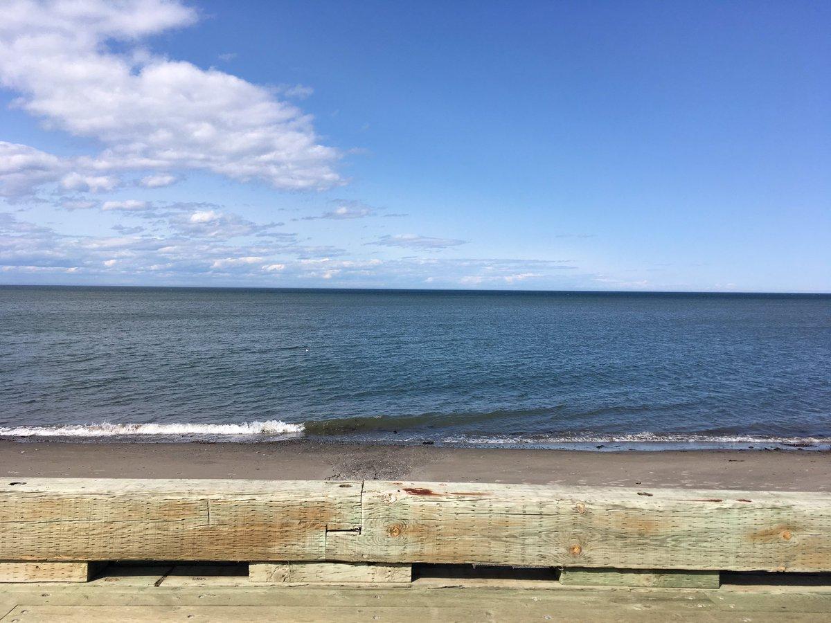 Heaven // Le paradis #GaspesieJeTaime #Gaspésie #SainteLuceSurMer #Vacances Holidays <br>http://pic.twitter.com/zCibucFGAn