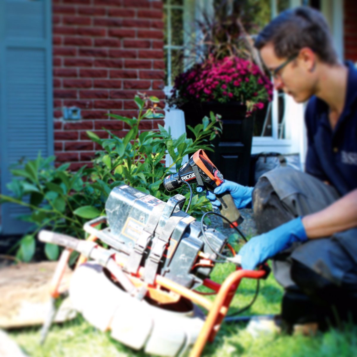 #DYK that #septicsystem inspection cameras are able to locate exact areas &amp; internal condition of septic beds? #nowyouknow #wednesdaywisdom<br>http://pic.twitter.com/AMJGE1B5rO