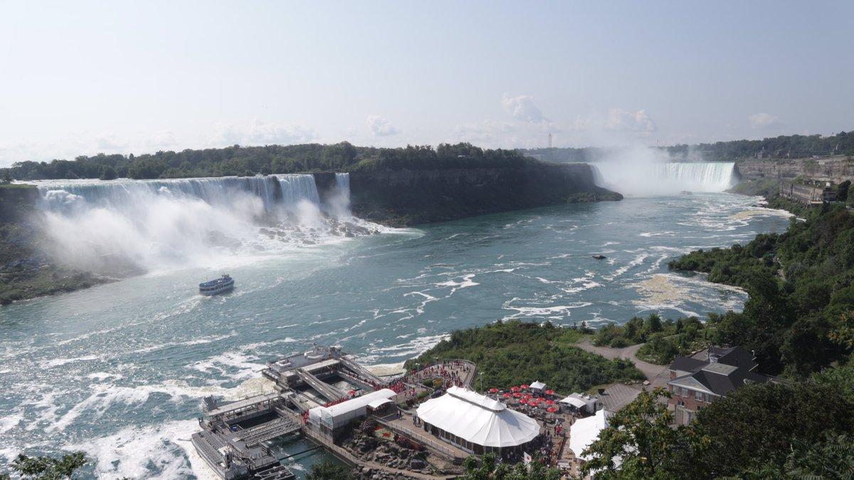 View of Niagara Falls the other day   #NiagaraFalls @PompeyBloggers @Cbeechat @BloggersTribe #travelblogger <br>http://pic.twitter.com/njx8ccVPab &ndash; bij Niagara Falls