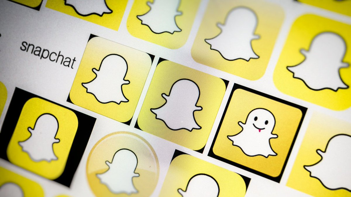 .@Snapchat is in the 'early stages' of producing scripted content https://t.co/upIM7julCg