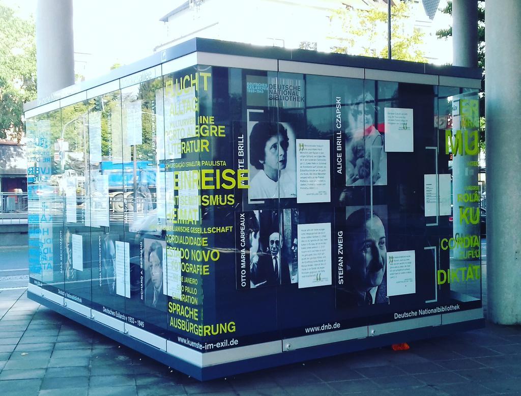@InterpretRuDeEn  at social media club walk @DeutscheNationalBibliothek Frankfurt #dnbsmcffm #smcffm #Literature #library #bib #events https://t.co/y4jjkV9BHq