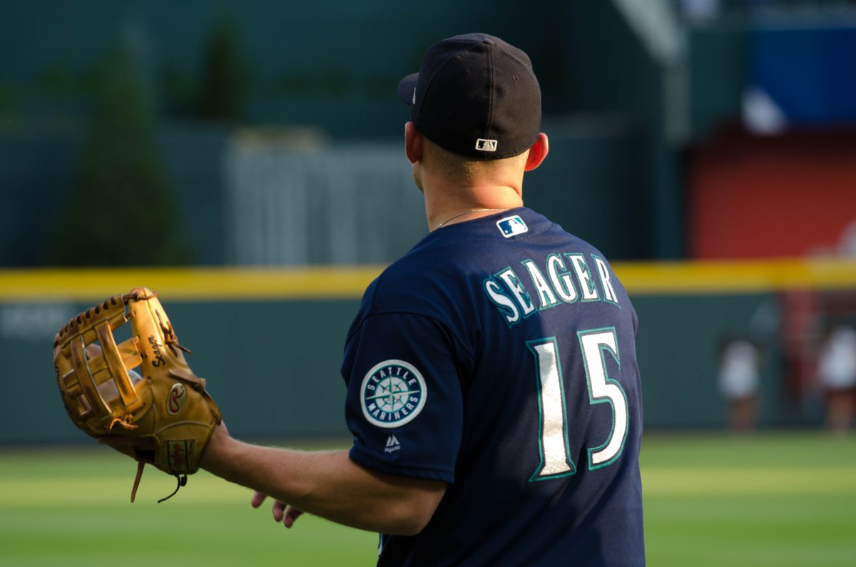 Let's PLAY BALL! Mariners vs. Braves sta...