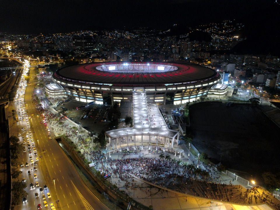Maracanã rubro-negro pronto para o jogo de daqui a pouco! #VamosFlamengo #SomosTodos