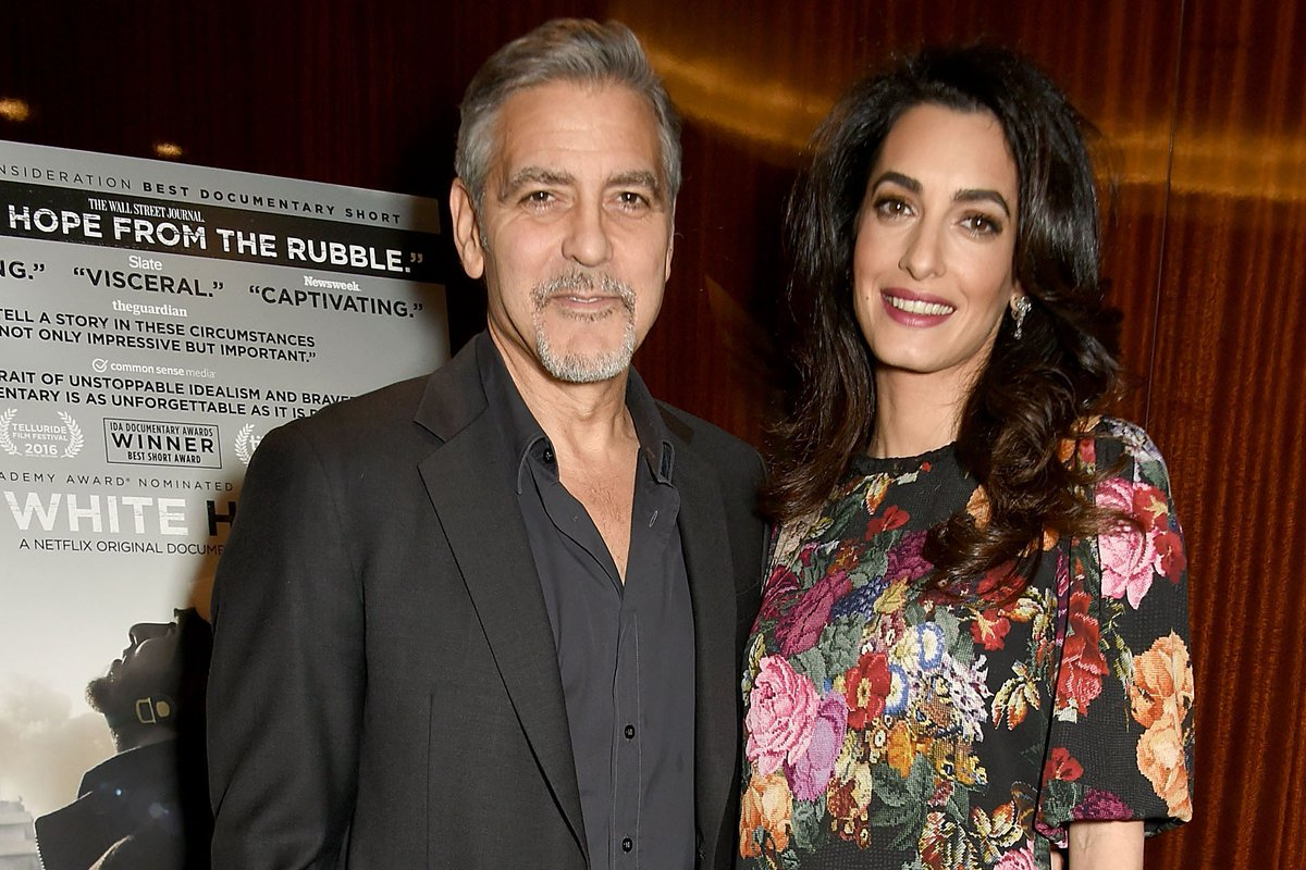 George and Amal Clooney just donated $1 million to fight 'violent extremism' in the U.S. https://t.co/Sq64F4isAW