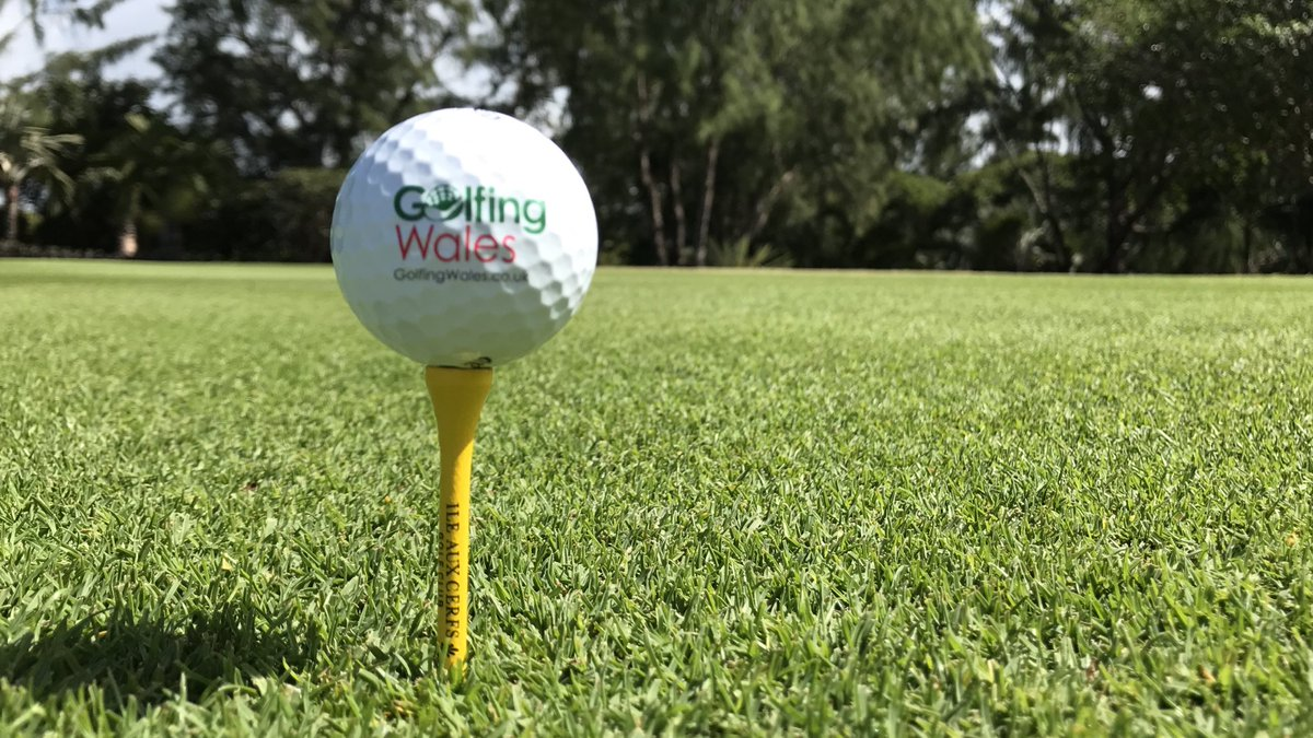 Evening golfers, who fancies a new competition? RT  What about a golf holiday to Mauritius?!   #Win #Golf #Holiday #Competition #Mauritius<br>http://pic.twitter.com/gKhBdMEn5k