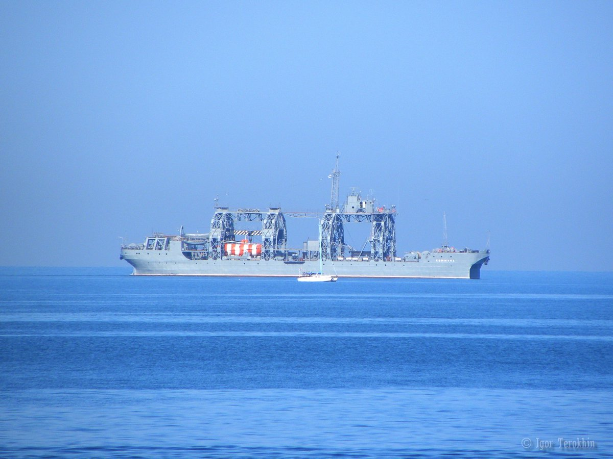 #ВМФ #ЧФ #Russian #Navy  salvage ship &#39;Kommuna&#39; at #Sevastopol roadstead.The oldest ship on service in the Russian Navy is 102 years old!<br>http://pic.twitter.com/gEFGgpPL0b