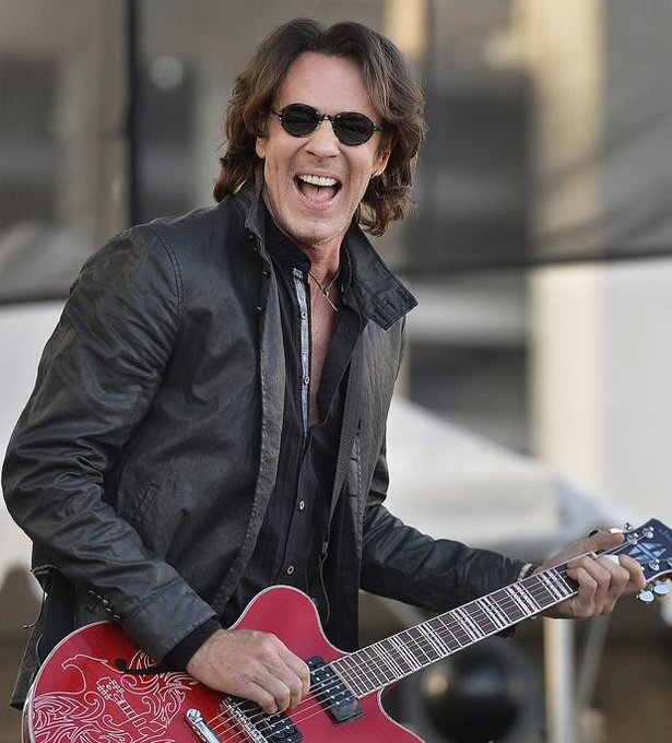 Happy 68th Bday Rick Springfield    Drop Dead Gorgeous. Fantastic Body!!! Best of all