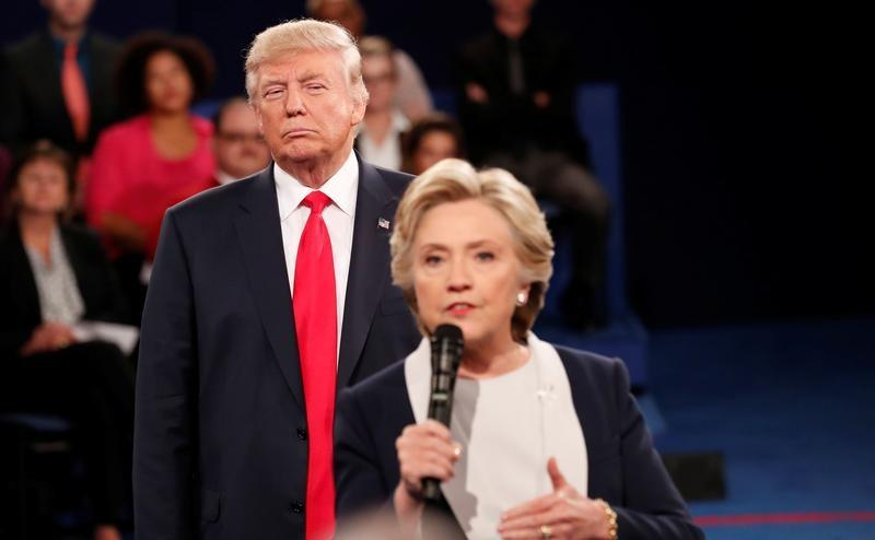 Clinton, in book, says Trump's debate stalking made her skin crawl https://t.co/XURSNyLMIz