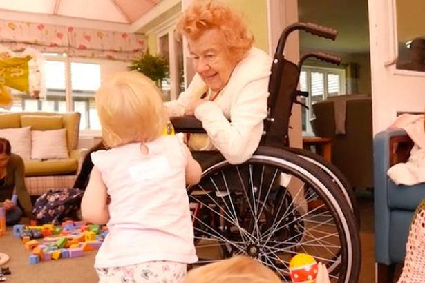 Group of singing toddlers spends the day at a care home - and what happens is totally adorable https://t.co/xFwjgpdLO2