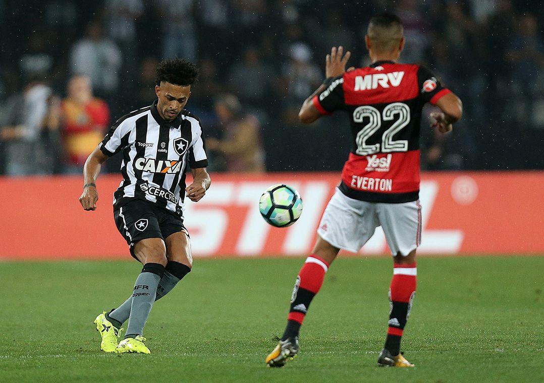 Flamengo e Botafogo lutam para ir à final da Copa do Brasil. Jogo nesta quarta-feira terá Maracanã lotado, às 21h45.