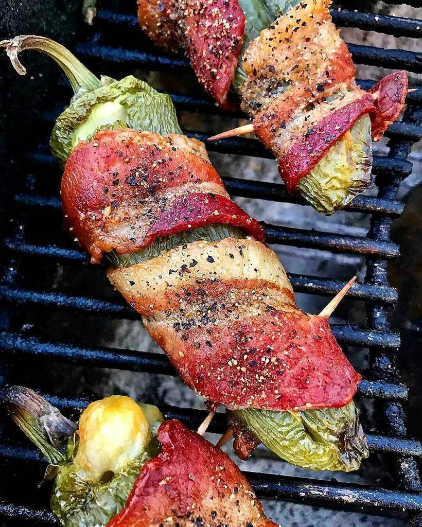 If cheese-stuffed and bacon-wrapped grilled jalapeño poppers are wrong. I just don&#39;t wanna be right!! #incredible . Courtesy: One of … <br>http://pic.twitter.com/uwgGOtn4F6