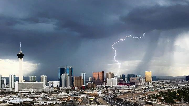 Wow! Check out this image captured by Andy Maiden! See more pics here >https://t.co/9UAfzASlqv #FOX5Weather