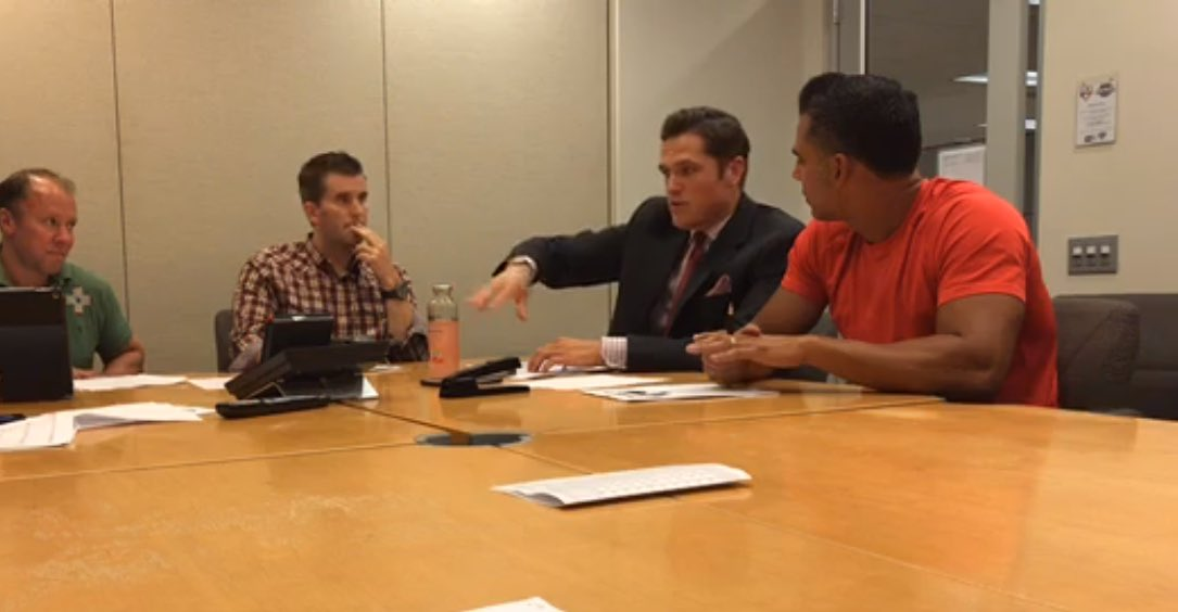 We're taking you inside the postgame #MLBTonight production meeting, right now on Facebook Live! https://t.co/Tq1i33tNOV